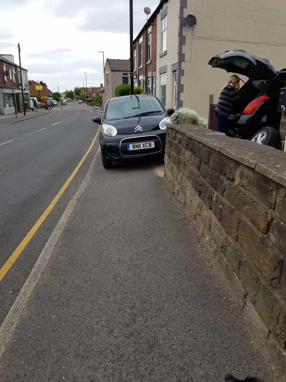 BN11 XCB displaying crap parking