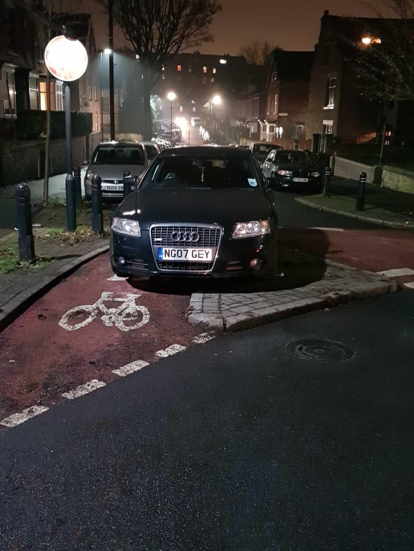 NG07 GEY displaying Inconsiderate Parking
