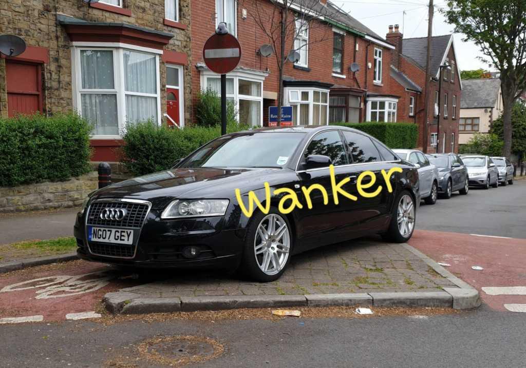 NG07 GEY displaying Selfish Parking