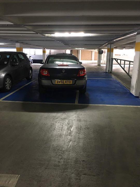 BV56 KTO displaying Selfish Parking