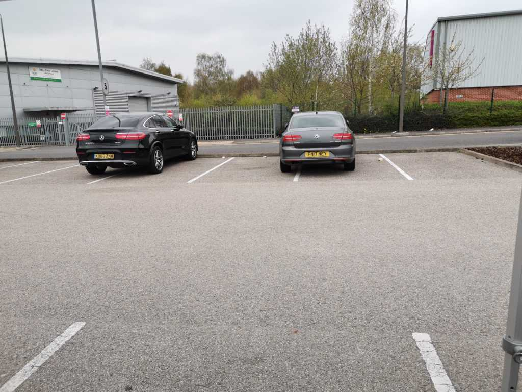 KO66 ZNW FN17 displaying Inconsiderate Parking