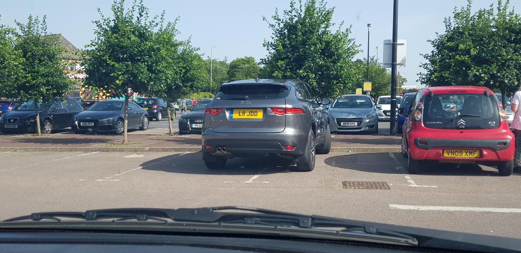 L11 JDD displaying crap parking