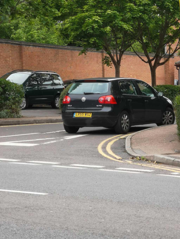 LR55 WSZ displaying crap parking