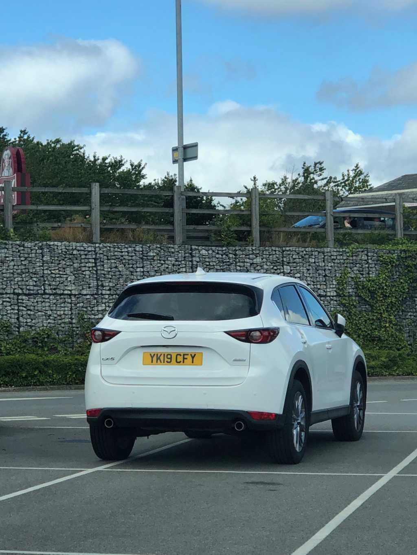 YK19 CFY displaying Selfish Parking