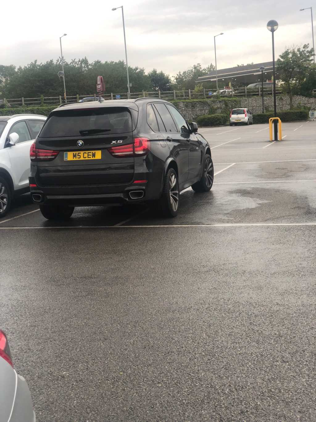 M5 CEW displaying Selfish Parking
