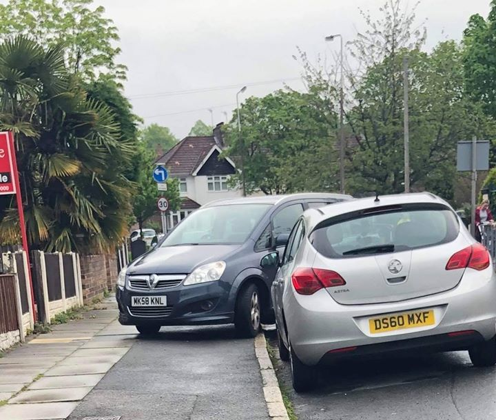 MK58 KNL displaying Selfish Parking