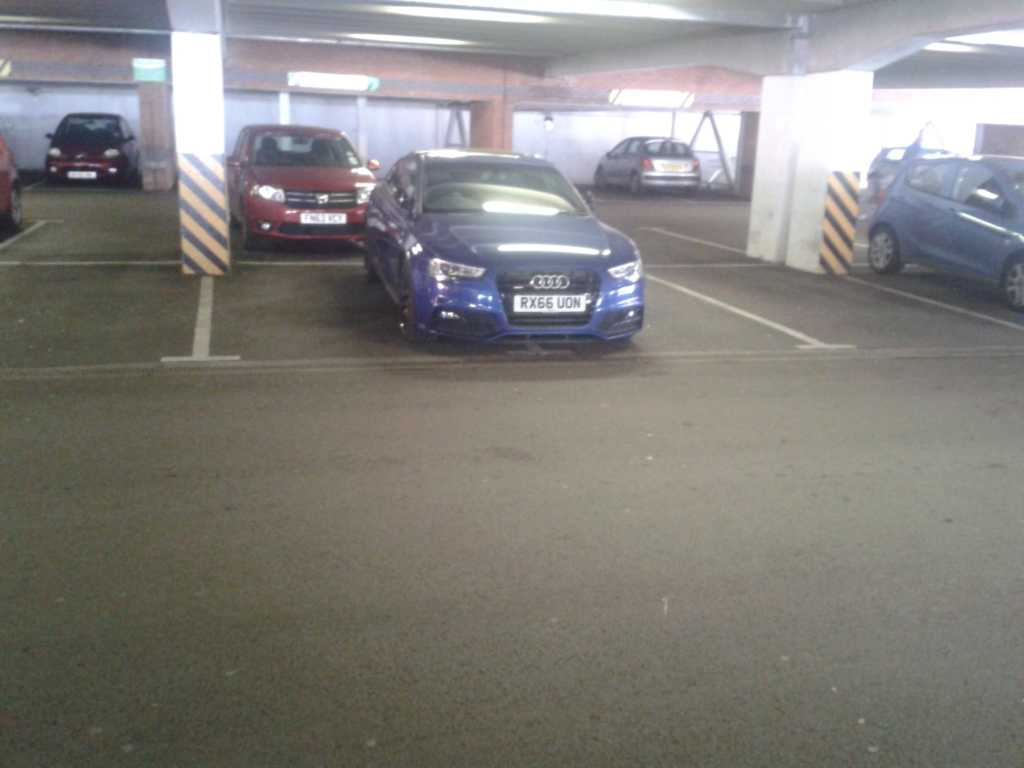 RX66 UON is a crap parker