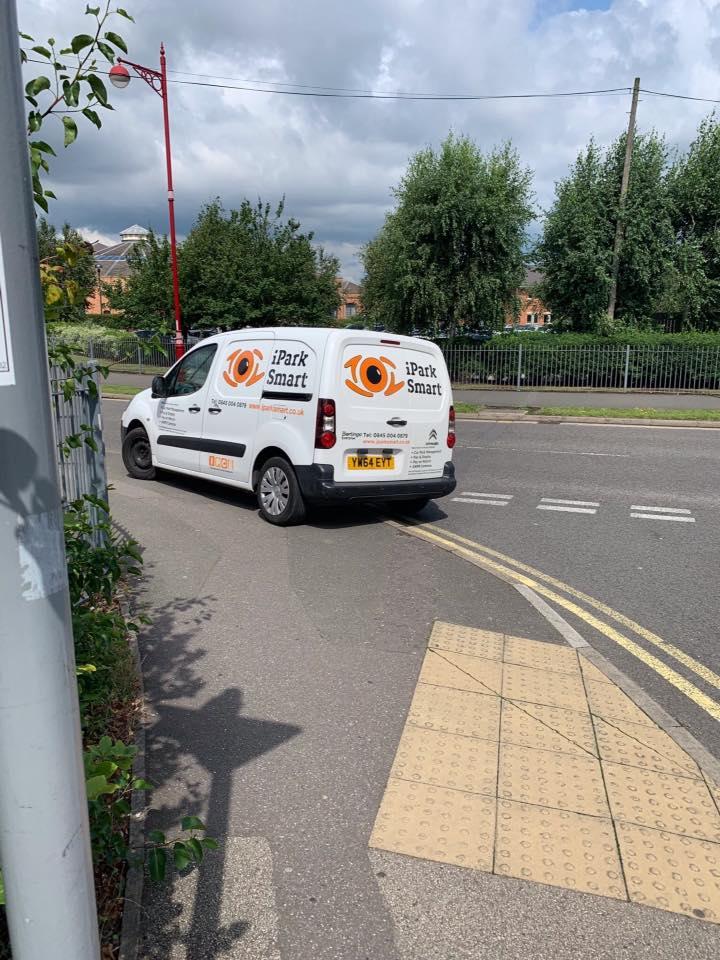 YM64 EYT displaying Selfish Parking
