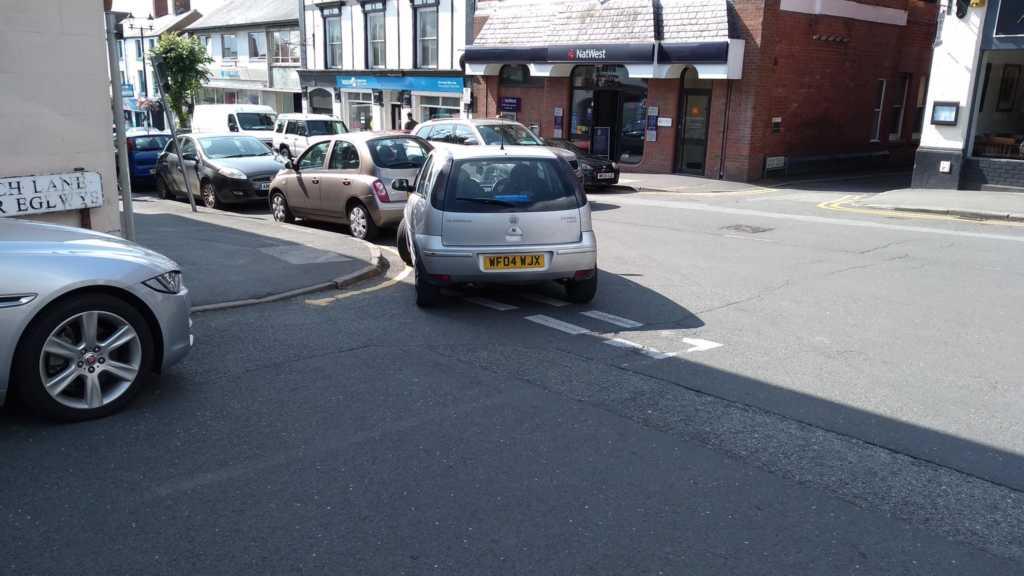 WF04 WJX displaying Inconsiderate Parking