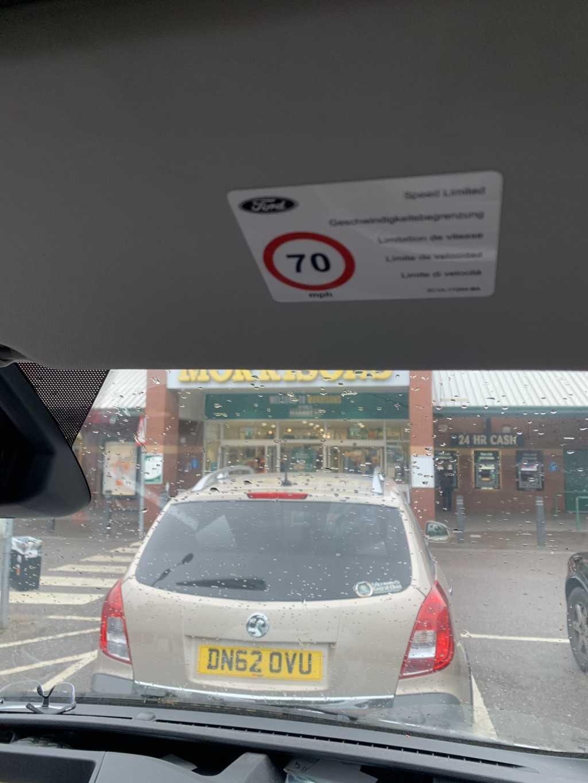 DN62 OVU displaying Selfish Parking