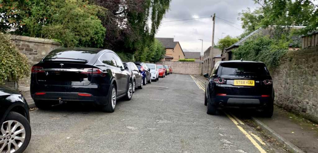 ST68 KUU displaying Selfish Parking