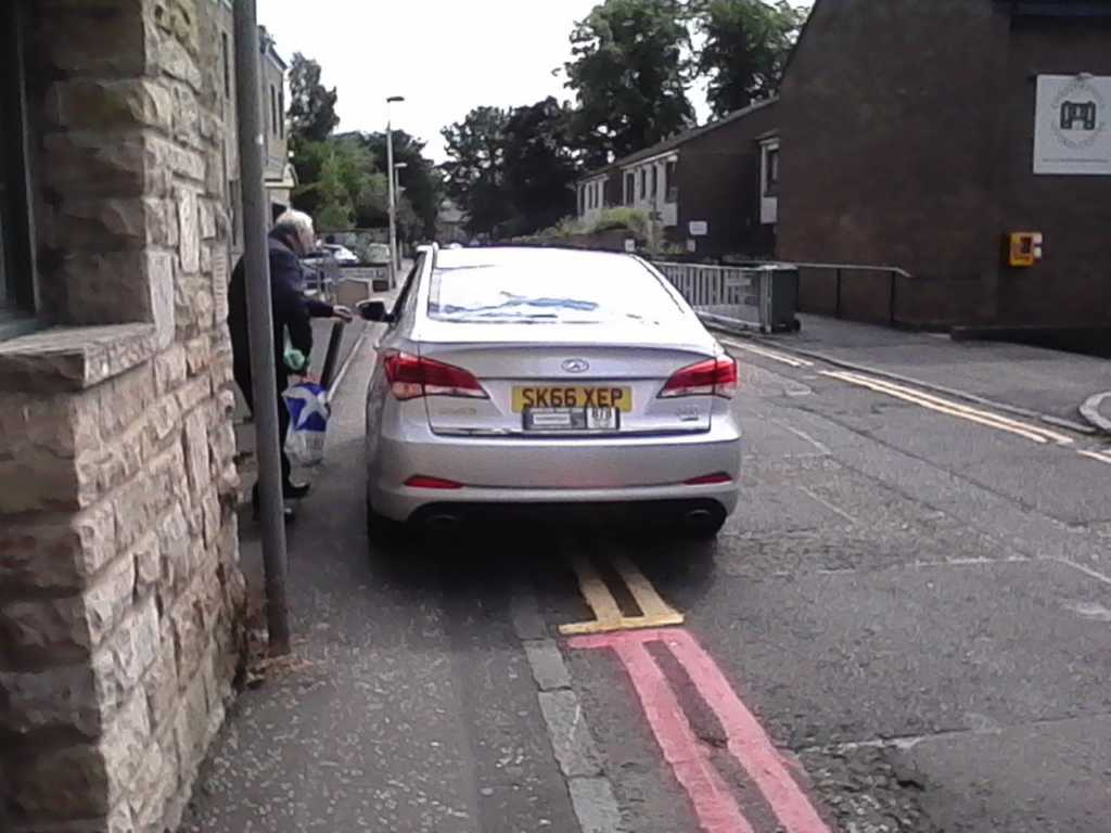 SK66 XEP displaying Inconsiderate Parking