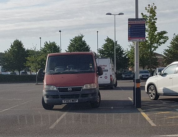 YS03 MKP displaying Inconsiderate Parking