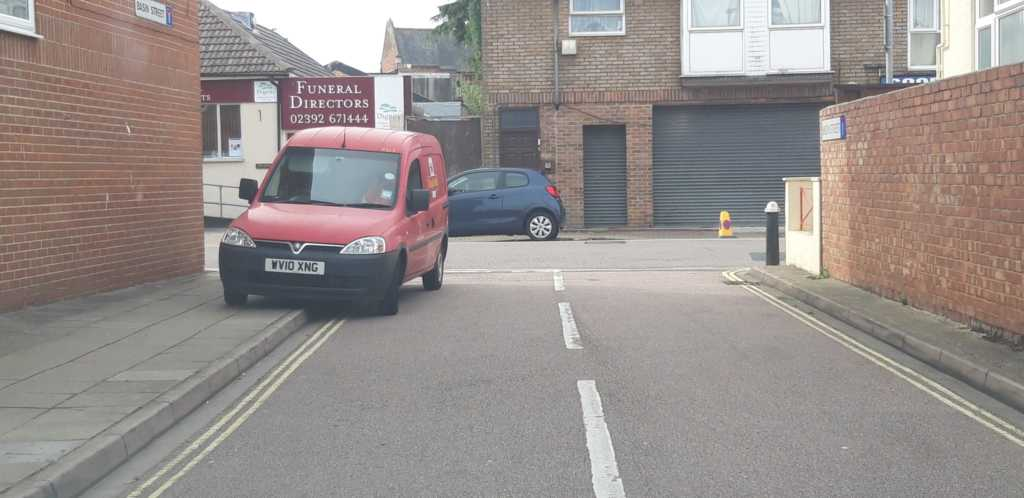 WV10 XNG displaying Selfish Parking