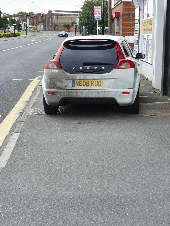 NE08 KUO displaying Inconsiderate Parking
