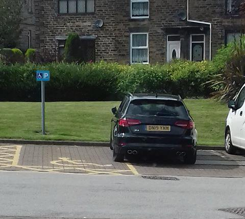 DN19 YNM is an Inconsiderate Parker