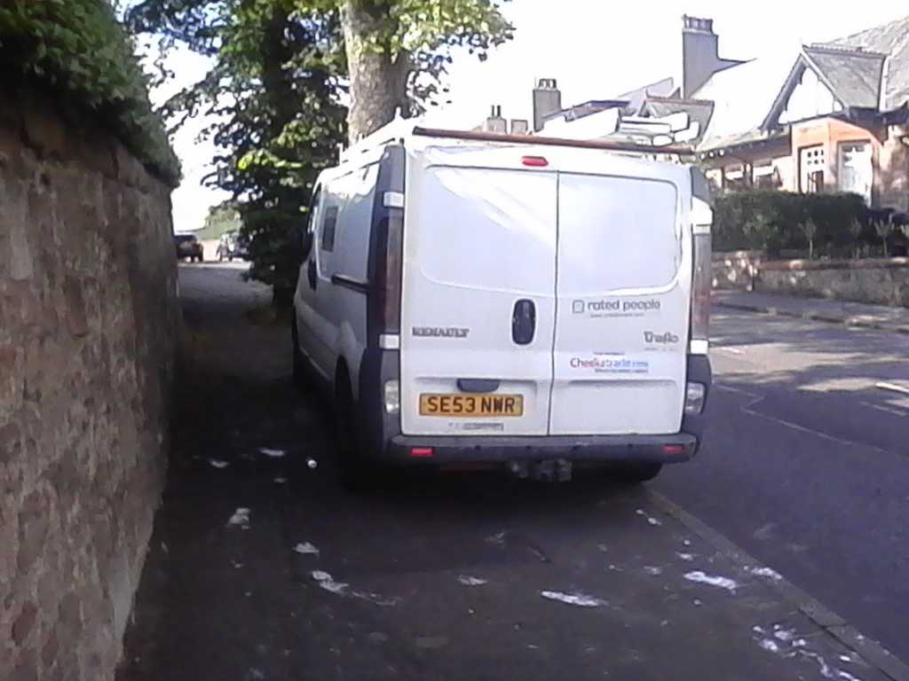 SE53 NWR displaying Selfish Parking