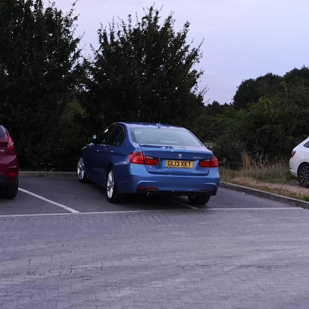 GL13 XET displaying crap parking
