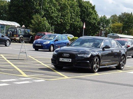LA57 TCH displaying Inconsiderate Parking