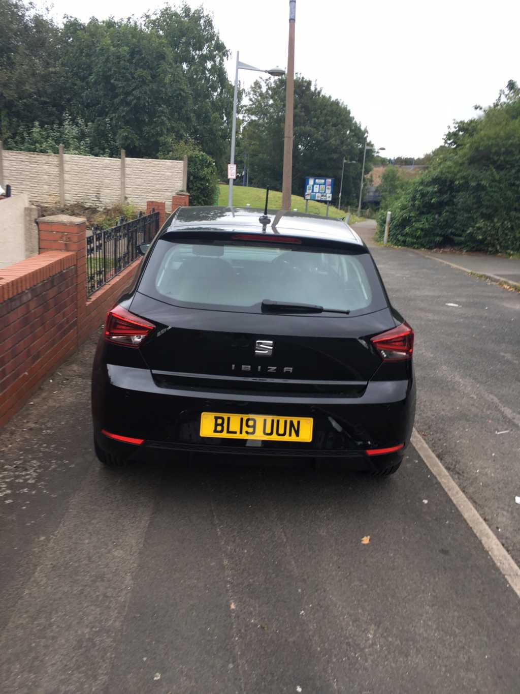 BL19 UUN displaying Selfish Parking