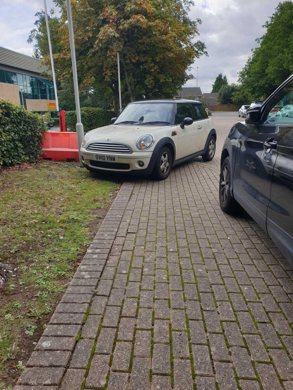 OV10 YNW displaying Selfish Parking