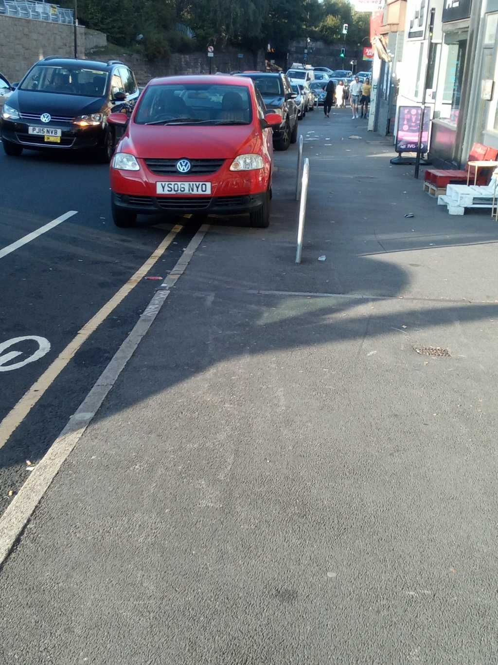 YS06 NYO displaying Inconsiderate Parking