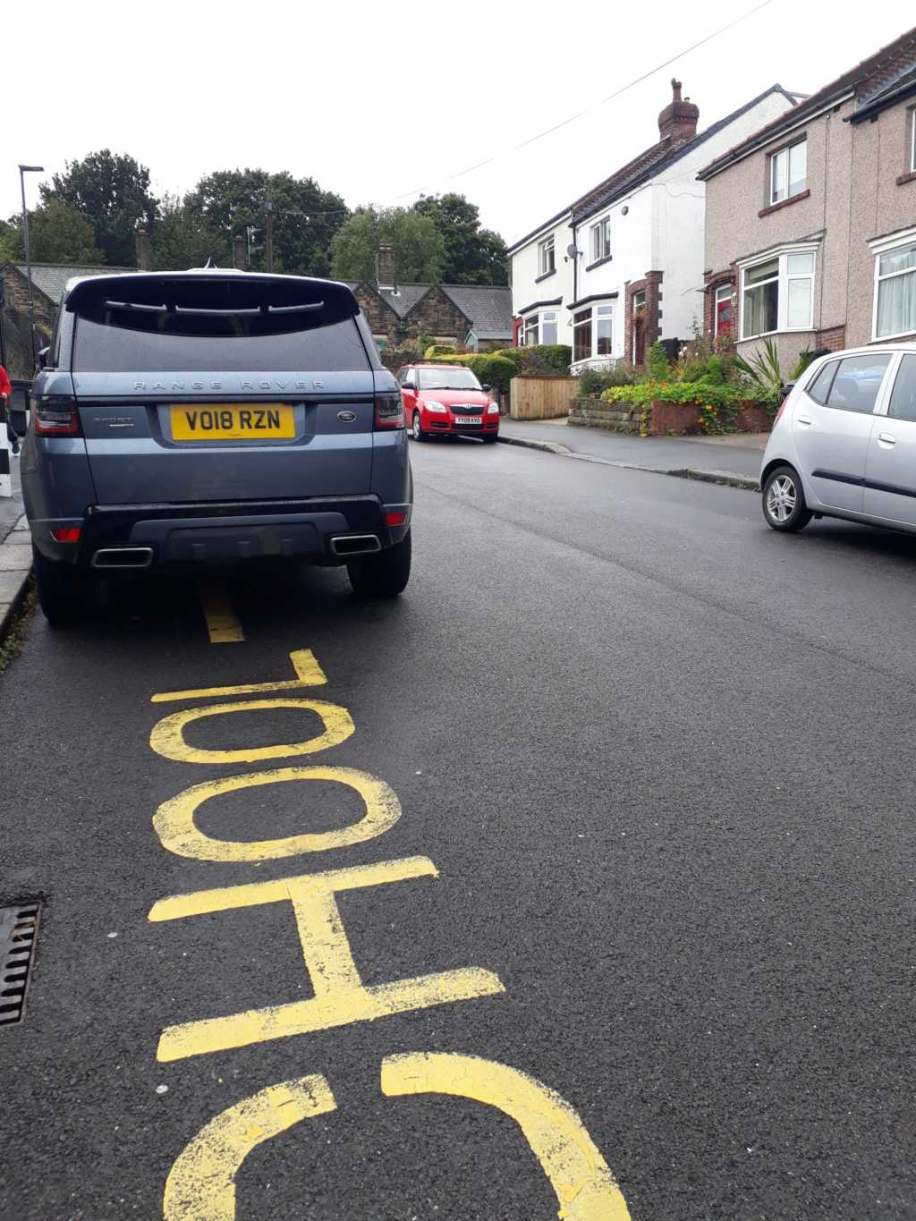 VO18 RZN displaying Inconsiderate Parking