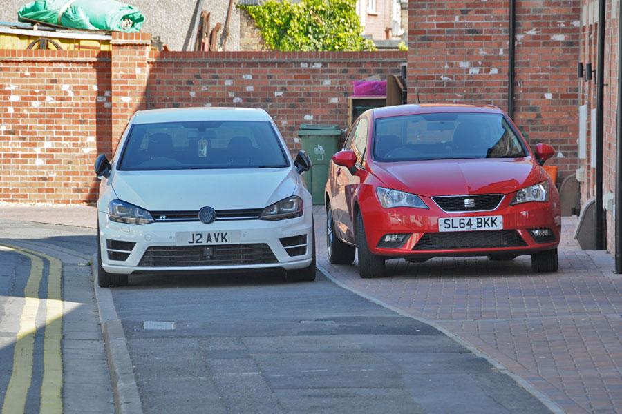 J2 AVK & SL64 BKK displaying crap parking