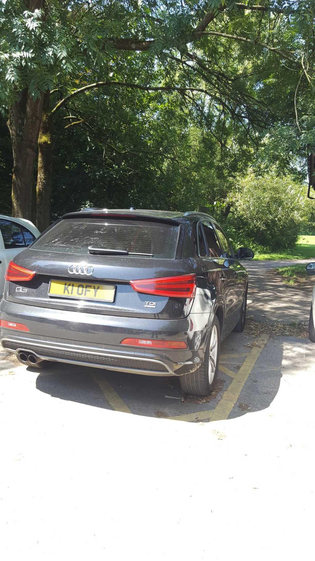 KI 0FY displaying Inconsiderate Parking