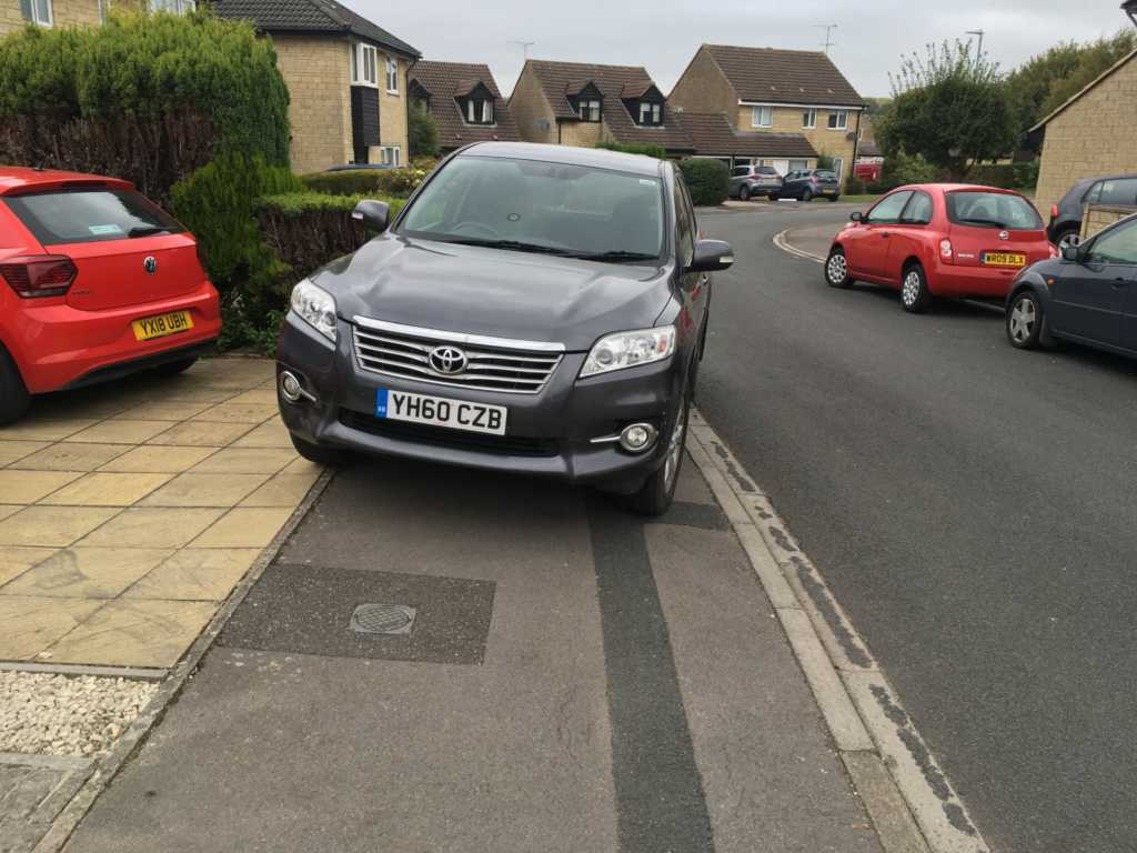 YH60 CZB displaying Inconsiderate Parking