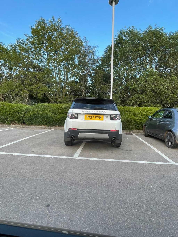 PX17 VYM displaying crap parking